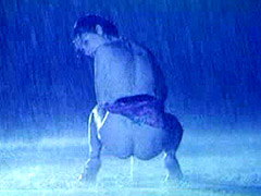 Hairy celebrity Anna Ammirati pissing under a rain