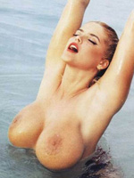 Hot naked photos of American actress..