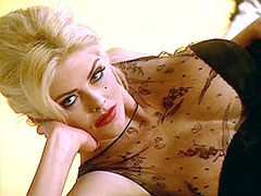 Sexy Anna Nicole Smith posing in..