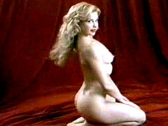 Celebrity blonde Ashley Judd fully nude exposes hairy pussy