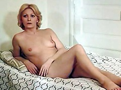 Fully nude Betty Mars tempts the mature girlfriend for lesbian love