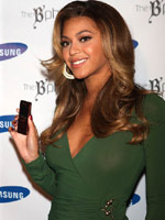 Beyonce Knowles. Discern samples video..