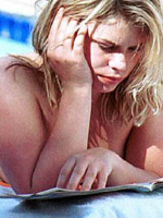 Billie Piper pseud upskirt and topless..