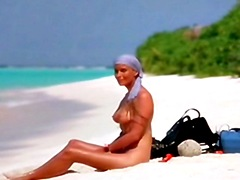 Celebrity Bo Derek fully naked..
