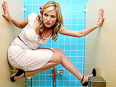 Cameron Diaz without panties in toilet