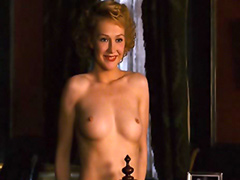 Carice van Houten topless talks to the..