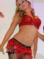 Supermodel Carmen Electra dancing in..