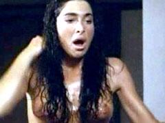 Fully naked Catya Sassoon, mad video