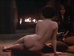 Juliette Binoche seen completely nude..