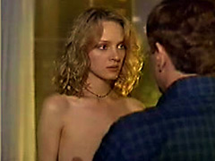 awesome actress Uma Thurman shows her..