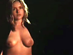 hot actress Kate Winslet shows her..