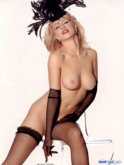 Amber Smith superstar bare pictures