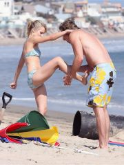 Stunning Kristen Bell caught upskirt by..