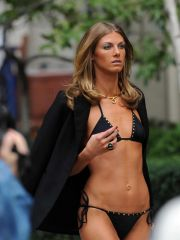 Angela Lindvall celebrity nude pictures