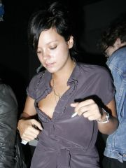 Lily Allen like one another her..