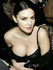 Stunning Monica Bellucci caught..