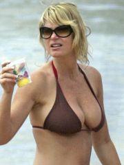 Nancy Odell paparazzi shots in bikini..