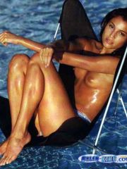 Awesome Padma Lakshmi Shows Her Perfect..