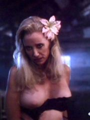 Amazing Actress Sally Kirkland In..