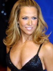 Sheryl Crow caught topless while..