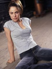 adorable actress Yancy Butler shows her..
