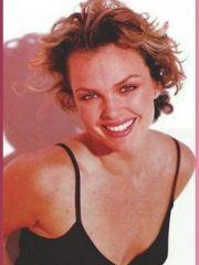 gorgeous actress Dina Meyer shows her..