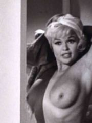 Jayne Mansfield loves to show her..
