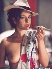 Pretty Anna Ammirati Loves To Show Her..