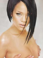 Famous R&B singer Rihanah topless in..