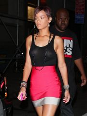 Attractive coddle Rihanna paparazzi..