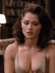 gorgeous actress Robin Tunney shows her..