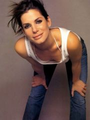 Attractive actress Sandra Bullock nude..