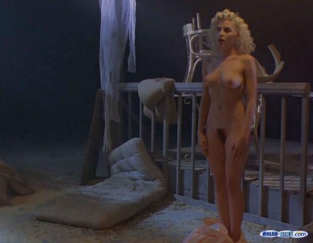 seksualnie-devushki-v-platyah-video