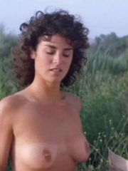 Amazing Betsy Russell loves to show her..