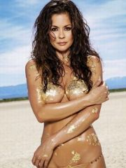 Sweet model Brooke Burke showing her..
