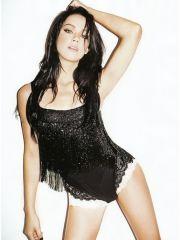 Sexy Amber Heard nude goes skinny..