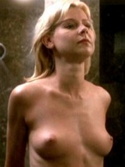 Sweet Actress Amy Lindsay Shows Her..