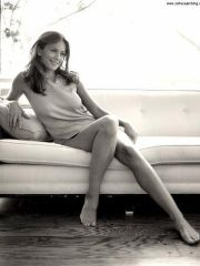 gorgeous actress Diane Lane shows her..