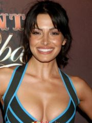 Sarah Shahi celebrity nude pictures