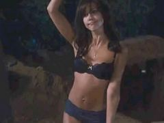 Jessica Alba Sexy Scenes From Little Fockers Movie