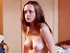 Celeb Christina Ricci shows her tits..