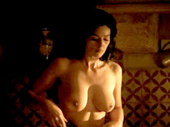Monica Bellucci flauntign the brush..