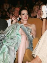 Princess Diaries star Anne Hathaway and..