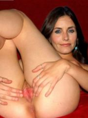Friends star Courteney Cox in an all..