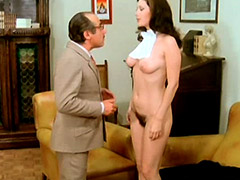 Edwige Fenech fully naked standing in..