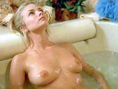 Jaime Pressly completely nude as she..