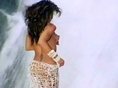 Fully naked Janet Jackson posing