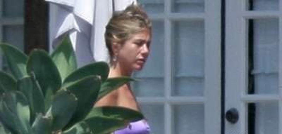 Naked Celebs Paparazzi S For Rated Renown Jennifer Aniston