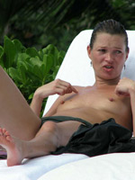 Paparazzi pictures of hot babe Kate Moss