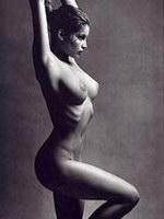 Paparazzi topless banned pics Laetitia..